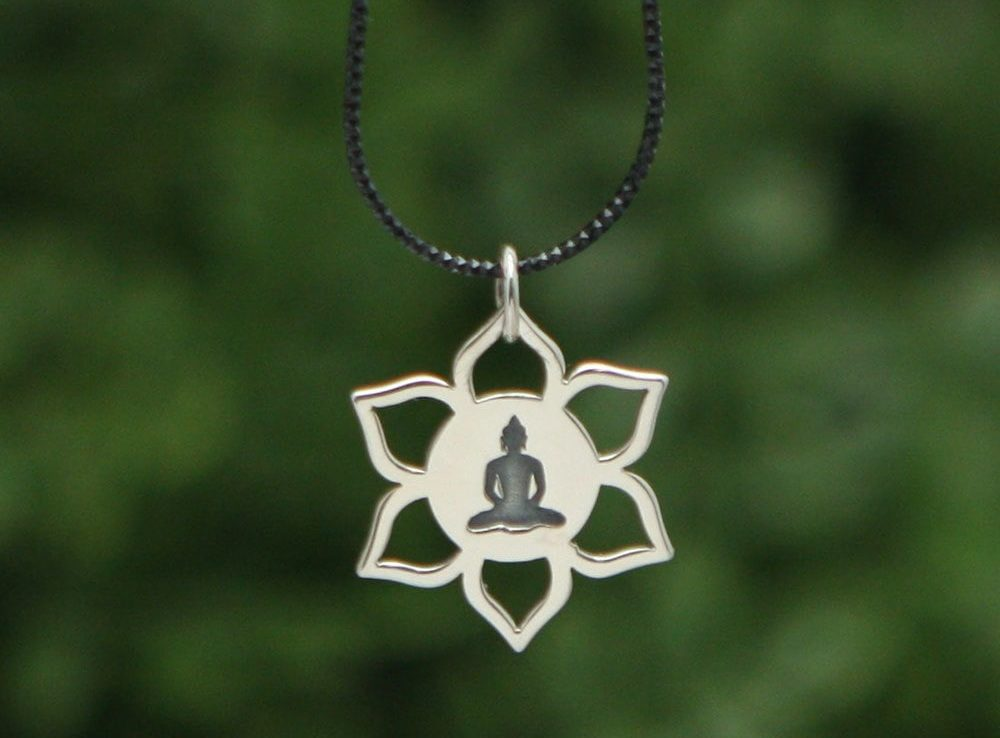 necklace with the Buddha meditating in centre