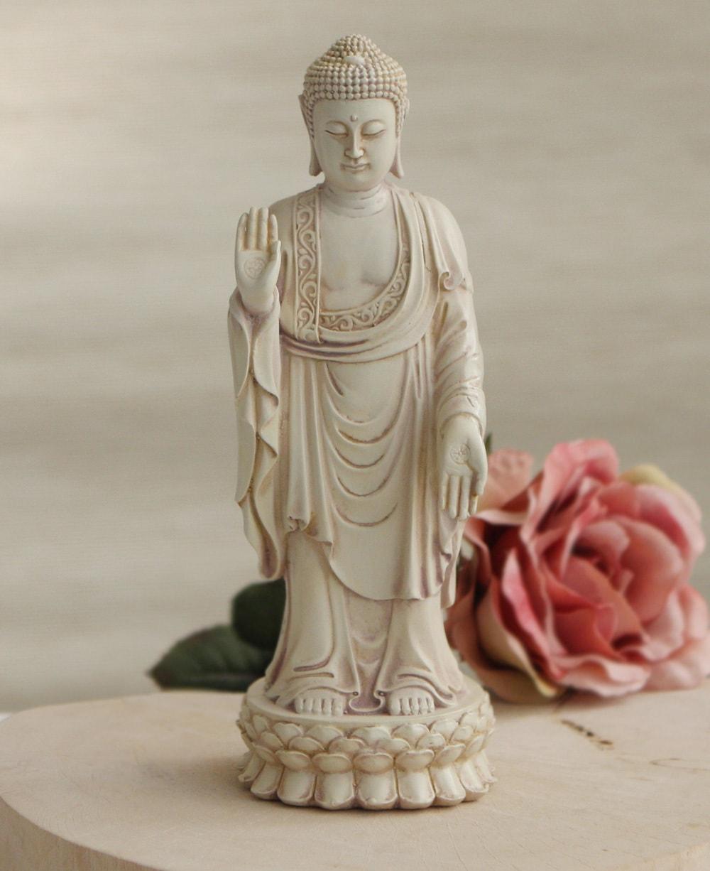 Standing buddha no fear