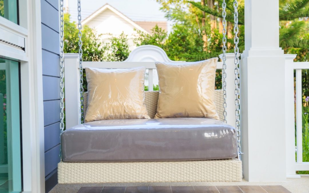 Top 5 Porch Swings for Rest & Relaxation