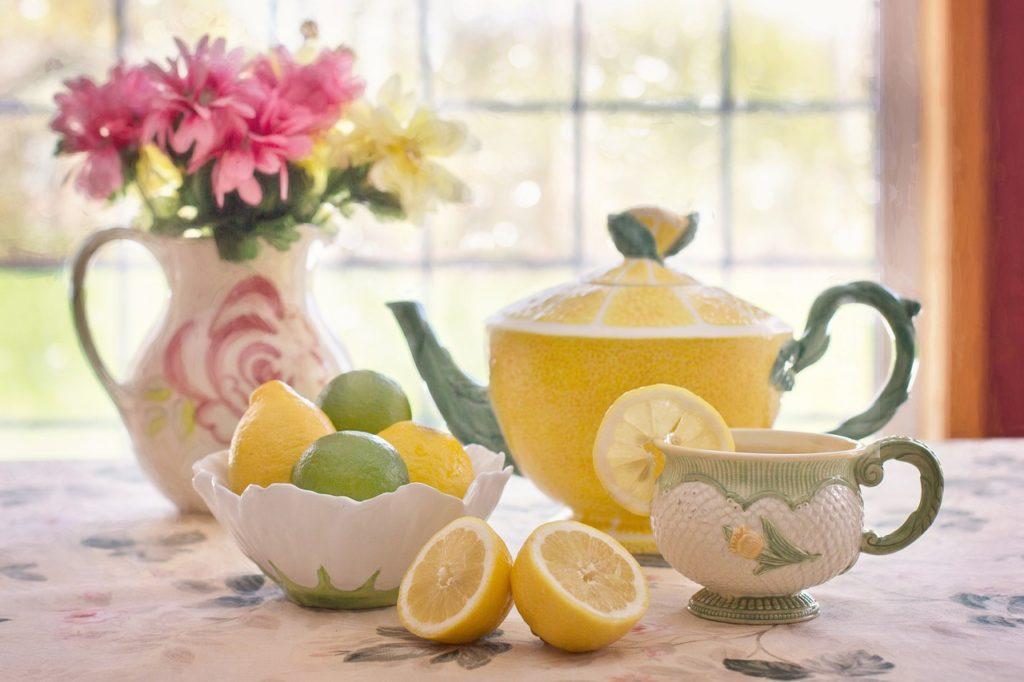 Lemon tea and nice teapot