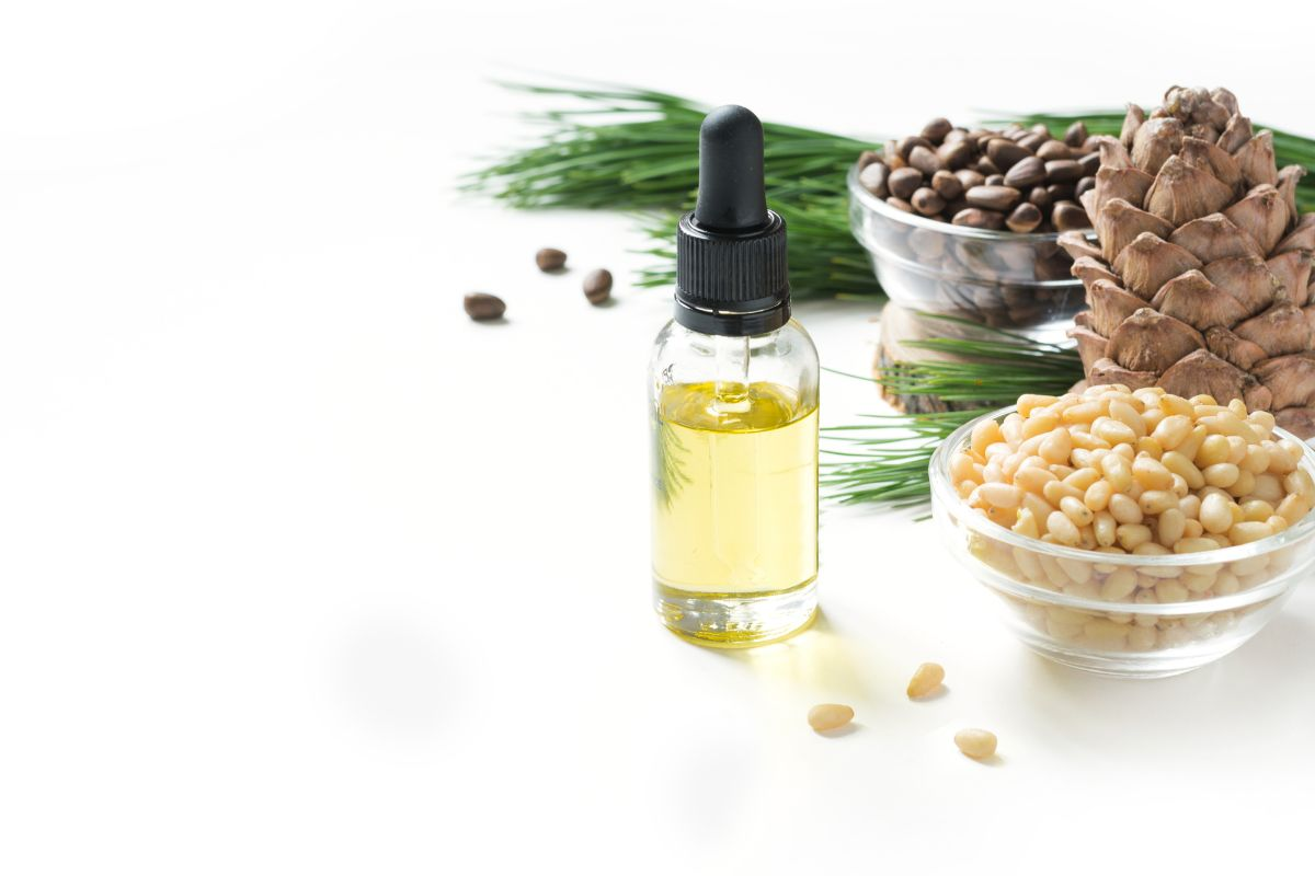 cedarwood oil and tree